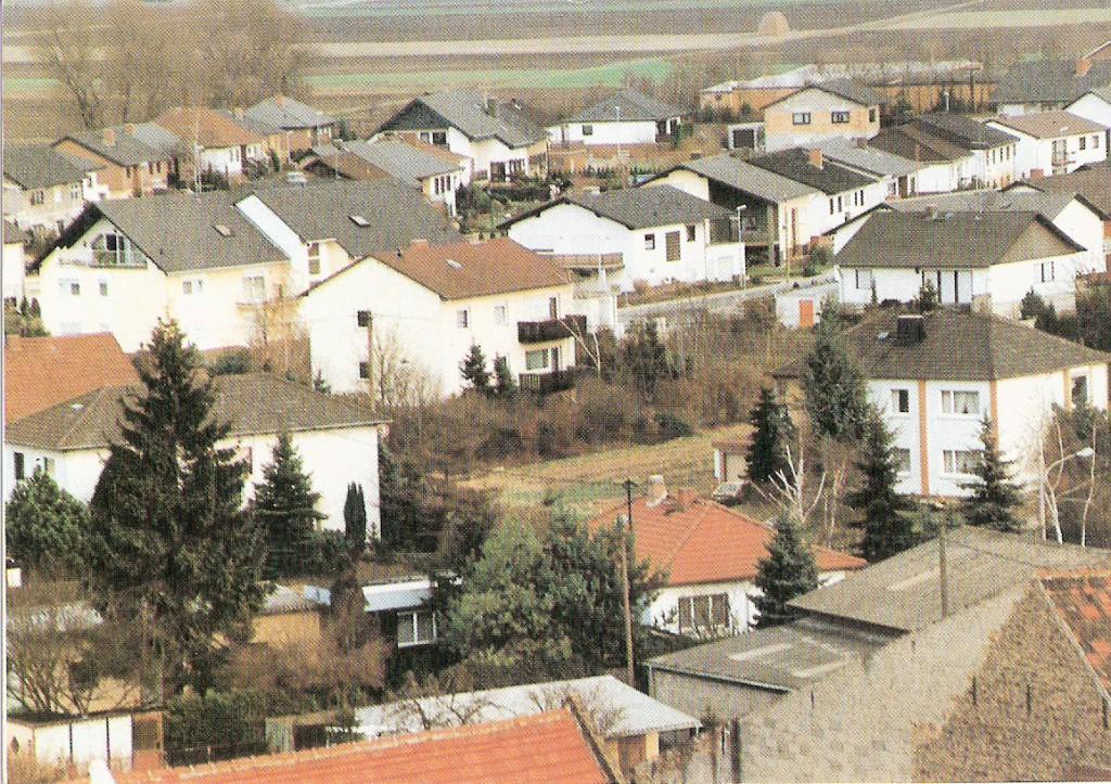 Ev. Kirche Eich Blick vom Kirchturm zum Nibelungenviertel