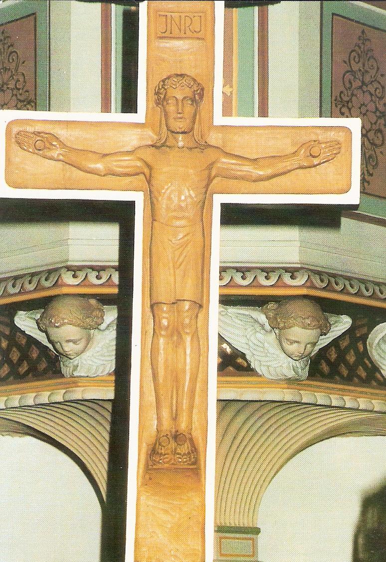 Evangelische Kirche Eich Kruzifix auf dem Altar