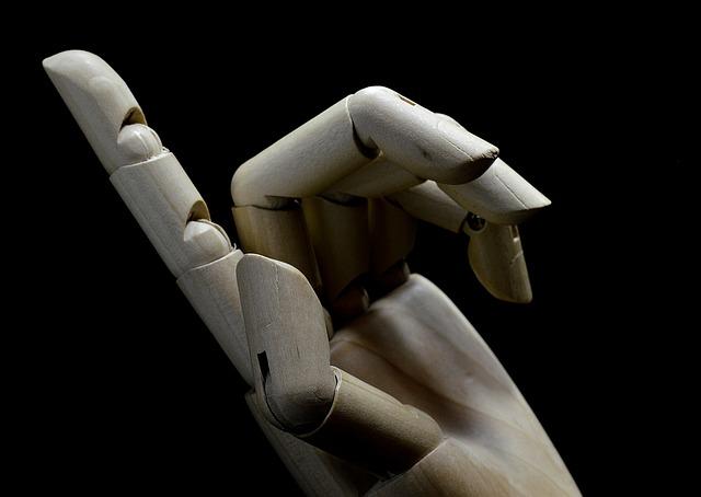 hand-1431603_640